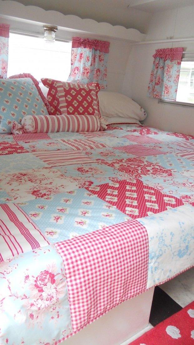 Фотография: Спальня в стиле Прованс и Кантри, Дом, Дома и квартиры, Дом на колесах – фото на INMYROOM