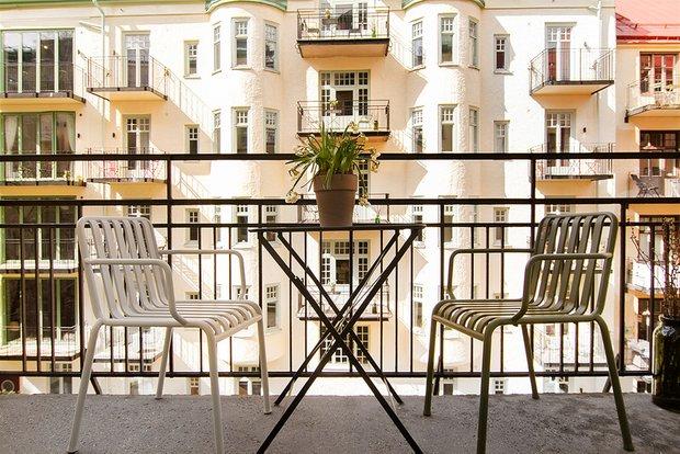 Фотография: Балкон в стиле Минимализм, Эклектика, Декор интерьера, Малогабаритная квартира, Квартира, Студия, Швеция, Стокгольм, Серый, до 40 метров – фото на INMYROOM