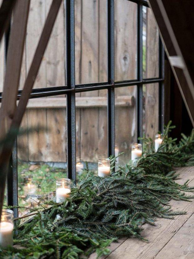 Фотография:  в стиле , Декор интерьера, Дом, Швеция, скандинавский интерьер, новогодний декор, новогодний декор интерьера, как украсить интерьер к новому году – фото на INMYROOM