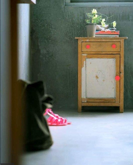 Фотография:  в стиле Прованс и Кантри, Современный, Декор интерьера, Дизайн интерьера, Цвет в интерьере, Желтый, Розовый, Оранжевый, Неон – фото на INMYROOM