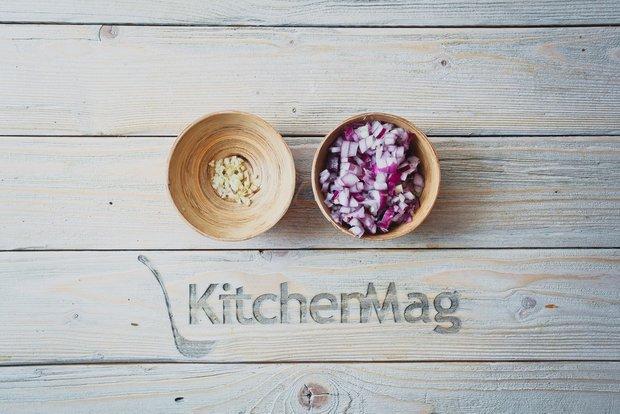 Фотография:  в стиле , Завтрак, Здоровое питание, Тушение, Помидоры, Восточная кухня, Кулинарные рецепты, Легкий завтрак, 45 минут, Завтраки, Готовит KitchenMag, Вкусные рецепты, Простые рецепты, Домашние рецепты, Пошаговые рецепты, Новые рецепты, Рецепты с фото, Классические рецепты, Как приготовить вкусно?, Просто, Яйца – фото на INMYROOM
