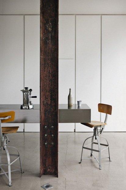 Фотография: Мебель и свет в стиле Лофт, Дом, Цвет в интерьере, Дома и квартиры, Лондон, Серый, Индустриальный – фото на INMYROOM