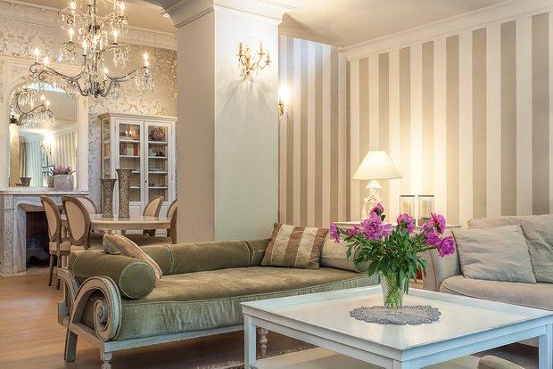 Фотография: Гостиная в стиле Эклектика, Франция, Интерьер комнат – фото на INMYROOM