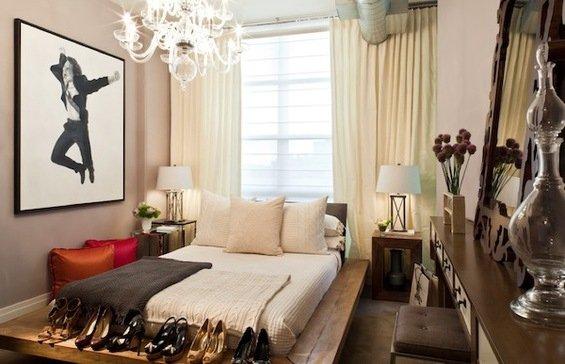 Фотография: Спальня в стиле Эклектика, Гардеробная, Декор интерьера, Интерьер комнат, Системы хранения, Кровать, Гардероб – фото на INMYROOM