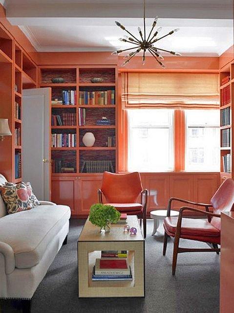 Фотография: Гостиная в стиле Прованс и Кантри, Декор интерьера, Декор, Домашняя библиотека, как разместить книги в интерьере, книги в интерьере – фото на INMYROOM