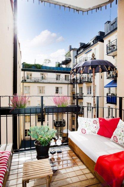 Фотография: Балкон, Терраса в стиле Прованс и Кантри, Скандинавский, Малогабаритная квартира, Квартира, Дома и квартиры, Стокгольм – фото на InMyRoom.ru