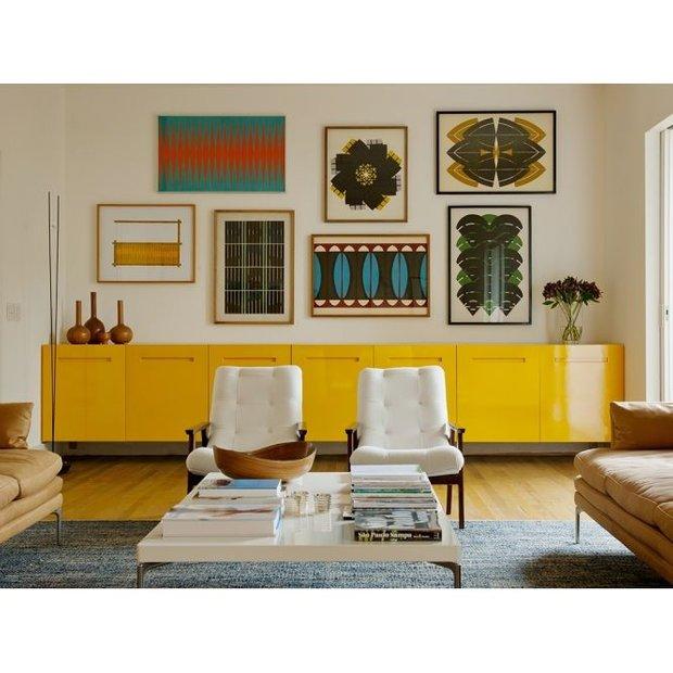 Фотография: Гостиная в стиле Скандинавский, Современный, Декор интерьера, Декор, абстрактная живописть в интерьере, абстрактное искусство в интерьере – фото на INMYROOM