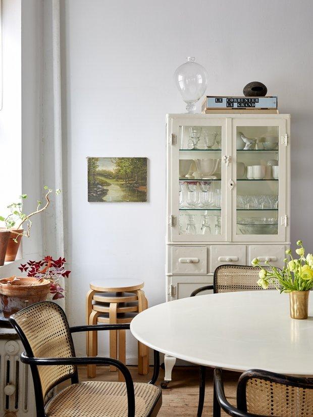 Фотография: Кухня и столовая в стиле Современный, Малогабаритная квартира, Квартира, США, Советы, Нью-Йорк – фото на INMYROOM