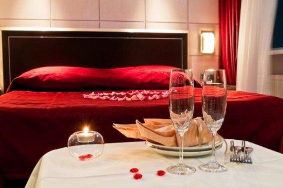 Фотография: Спальня в стиле Современный, Декор интерьера, DIY, Праздник, День святого Валентина – фото на INMYROOM
