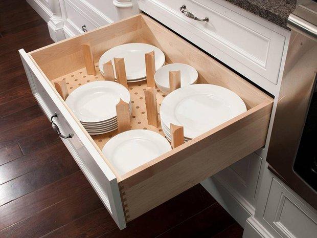 Фотография: Кухня и столовая в стиле Современный, Прочее, Советы, ламинат, хранение – фото на INMYROOM