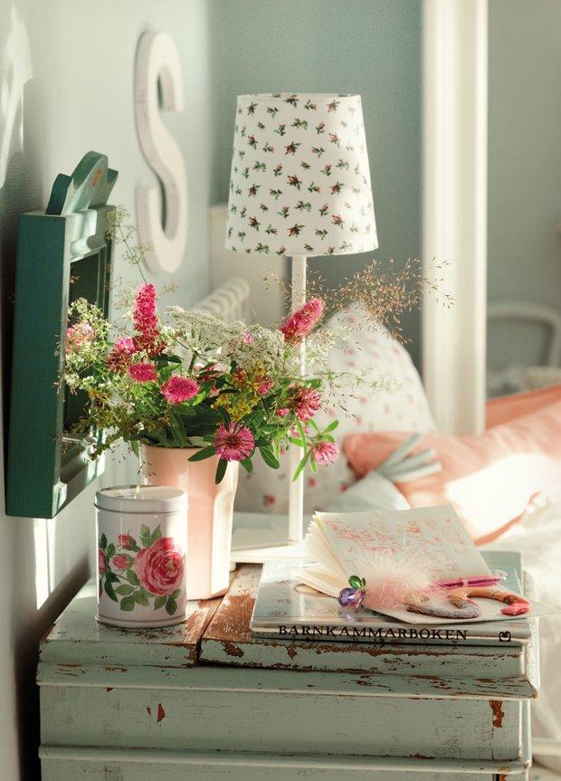 Фотография: Аксессуары в стиле Прованс и Кантри, Спальня, Мебель и свет, Советы, Ремонт на практике – фото на INMYROOM