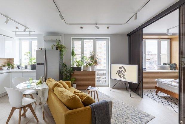 Фотография: Гостиная в стиле Скандинавский, Гид, желтый диван, желтый диван в интерьере – фото на INMYROOM