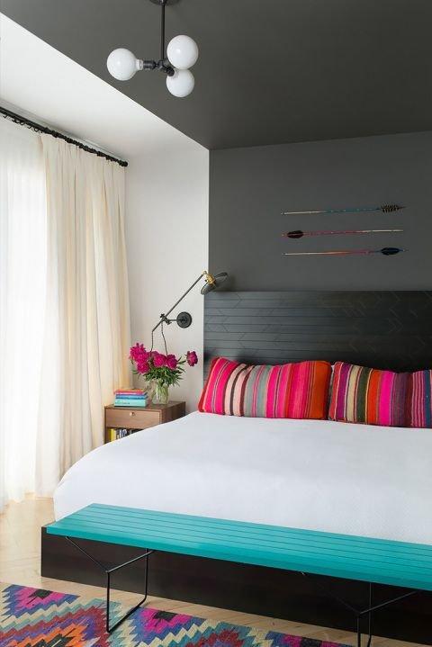 Фотография: Спальня в стиле Современный, Декор интерьера, Текстиль, Декор, Текстиль, Ткани, Шторы – фото на INMYROOM