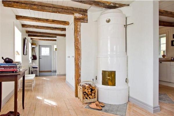 Фотография:  в стиле Скандинавский, Декор интерьера, Швеция, Декор дома, Цвет в интерьере, Белый – фото на INMYROOM
