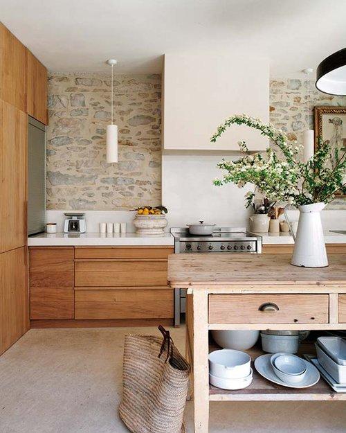 Фотография: Кухня и столовая в стиле Прованс и Кантри, Эко, Декор интерьера, Дом, Франция, Дома и квартиры – фото на INMYROOM
