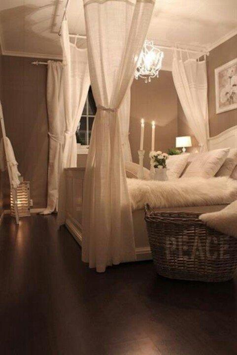 Фотография: Спальня в стиле Прованс и Кантри, Декор интерьера, Текстиль, Советы, Шторы, Балдахин – фото на INMYROOM