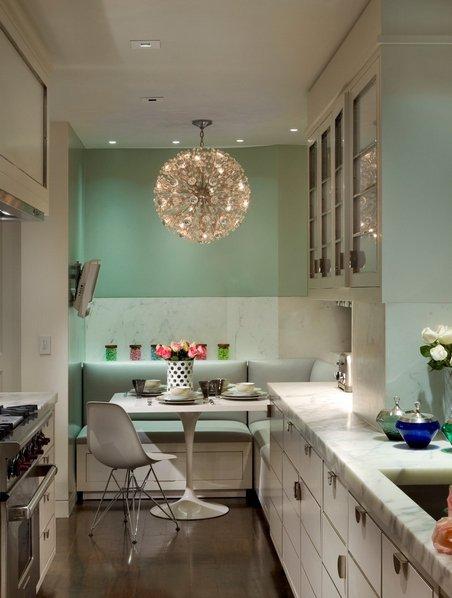 Фотография:  в стиле , Кухня и столовая, Советы, планировка узкой кухни в хрущевке, дизайн узкой кухни, обустройство узкой кухни, мебель для узкой кухни, сценарии освещения для узкой кухни – фото на INMYROOM