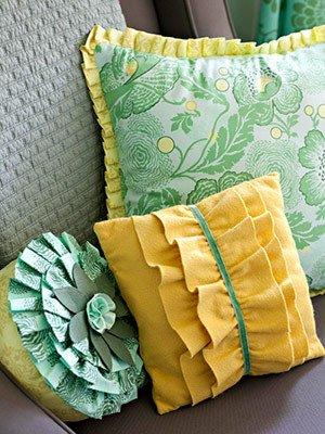 Фотография: Мебель и свет в стиле Современный, Декор интерьера, Декор дома, Подушки, Вышивка – фото на INMYROOM