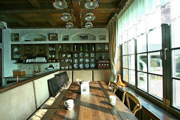 Фотография: Кухня и столовая в стиле Прованс и Кантри, Декор интерьера, Мебель и свет, Дача – фото на InMyRoom.ru