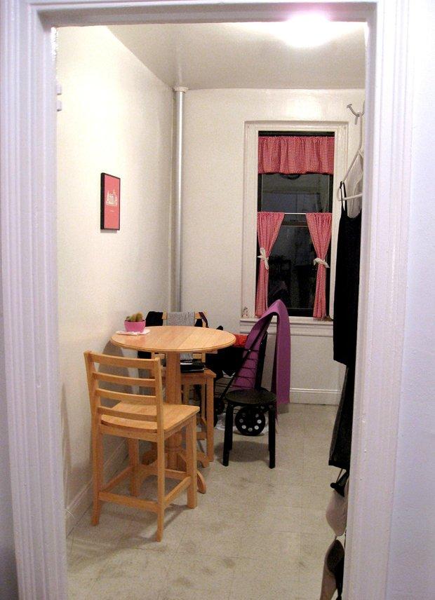 Фотография: Кухня и столовая в стиле , Малогабаритная квартира, Квартира, Дома и квартиры, Нью-Йорк – фото на INMYROOM