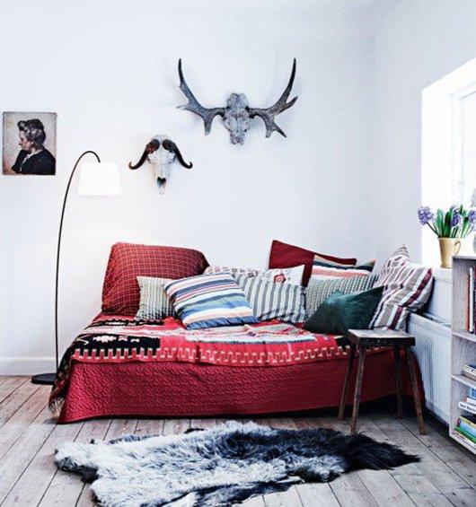 Фотография: Спальня в стиле Скандинавский, Декор интерьера, DIY, Декор дома, Ковер – фото на INMYROOM