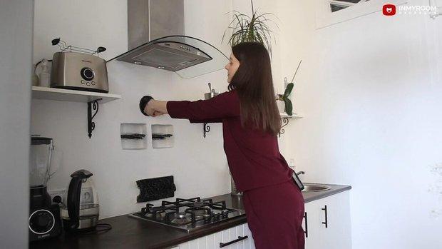 Фотография:  в стиле , Кухня и столовая, Ремонт на практике, кухня в сталинке, ретро кухня – фото на INMYROOM