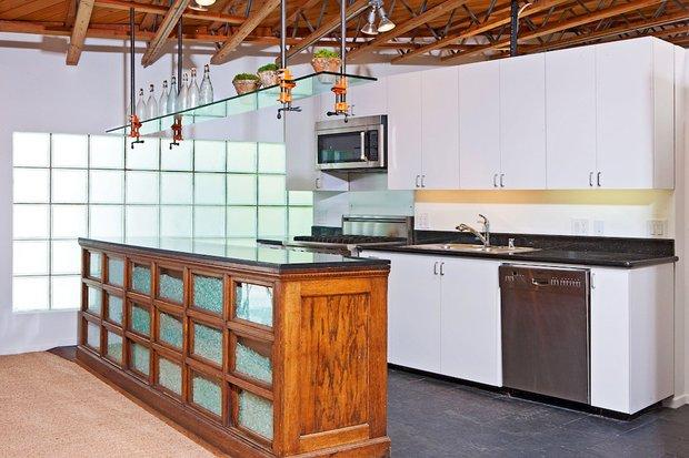 Фотография: Кухня и столовая в стиле Современный, Дома и квартиры, Интерьеры звезд – фото на INMYROOM