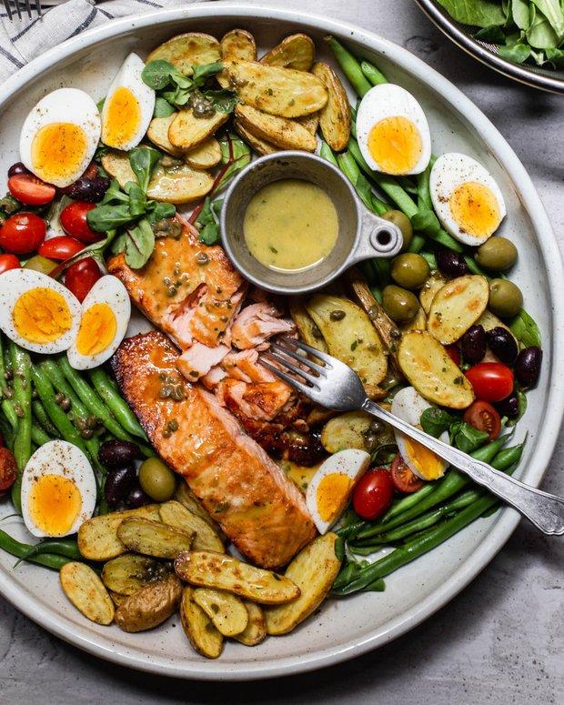 Фотография:  в стиле , Салат, Кулинарные рецепты, 45 минут, Европейская кухня, Просто, Лосось, Запекание – фото на INMYROOM