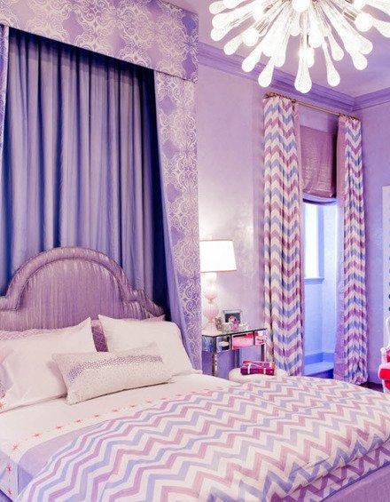 Фотография: Спальня в стиле Современный, Декор интерьера, Дизайн интерьера, Мебель и свет, Цвет в интерьере, Стены, Розовый, Фуксия – фото на INMYROOM