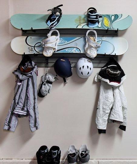 Фотография: Кухня и столовая в стиле Восточный, DIY, Квартира, Аксессуары, Советы, хранение, хранение спортивных снарядов, хранение лыж в квартире, хранение роликов в квартире, хранение доски для серфинга в квартире, хранение сноуборда в квартире, идеи хранения велосипеда в квартире, хранение самоката в квартире, хранение скейта в квартире – фото на INMYROOM