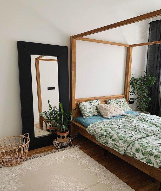 Кровать 160 см идеально подходит для двоих, на четверых уже маловата.