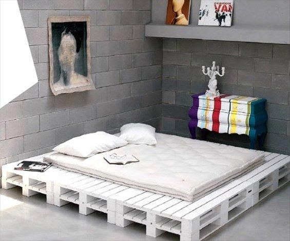 Фотография: Спальня в стиле Эклектика, Декор интерьера, DIY, Квартира, Дом, Мебель и свет – фото на INMYROOM