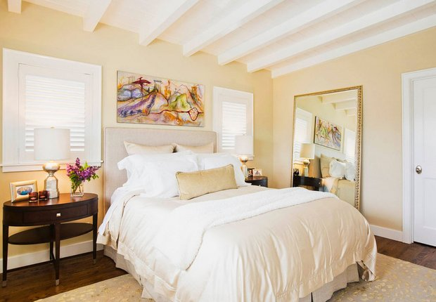 Фотография: Спальня в стиле Прованс и Кантри, Декор интерьера, Дизайн интерьера, Цвет в интерьере, Желтый – фото на INMYROOM