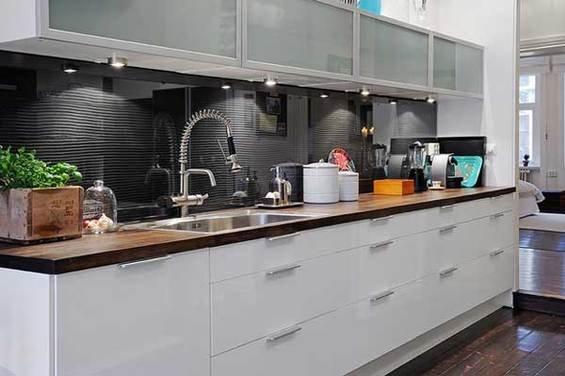 Фотография: Кухня и столовая в стиле Современный, Квартира, Швеция, Мебель и свет, Дома и квартиры, Гетеборг – фото на INMYROOM