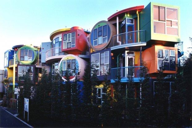 Фасад Reversible-destiny Lofts Mitaka