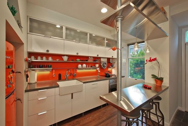 Фотография: Мебель и свет в стиле Современный, Кухня и столовая, Декор интерьера, Квартира, Дом, Декор, Оранжевый – фото на INMYROOM