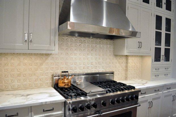 Фотография: Кухня и столовая в стиле Прованс и Кантри, Лофт, Интерьер комнат, Проект недели – фото на INMYROOM
