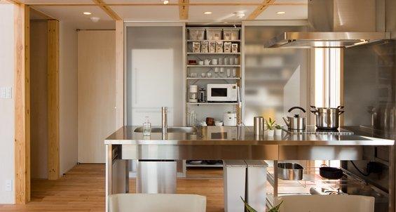 Фотография: Кухня и столовая в стиле Эко, Дом, Дома и квартиры, Япония – фото на INMYROOM