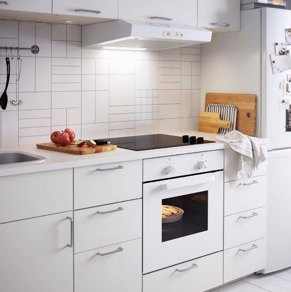 Фотография: Кухня и столовая в стиле Скандинавский, Малогабаритная квартира, Советы, ИКЕА, лайфхаки, ИКЕА – фото на INMYROOM