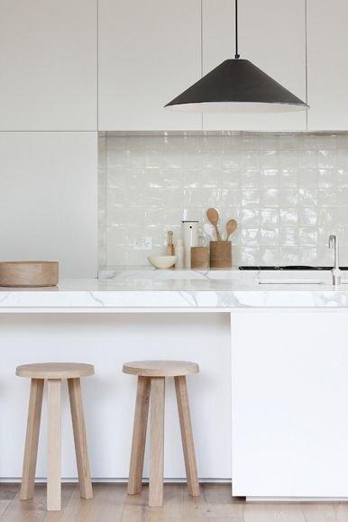 Фотография: Кухня и столовая в стиле Скандинавский, Советы, Белый – фото на INMYROOM