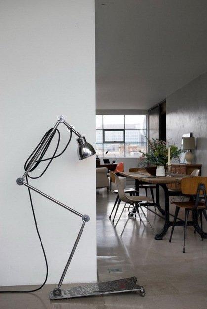 Фотография: Кухня и столовая в стиле Лофт, Дом, Цвет в интерьере, Дома и квартиры, Лондон, Серый, Индустриальный – фото на INMYROOM