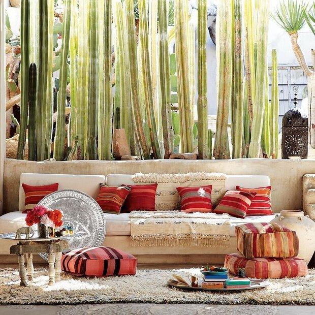 Фотография: Гостиная в стиле , Декор интерьера, Мебель и свет, Перегородки – фото на INMYROOM