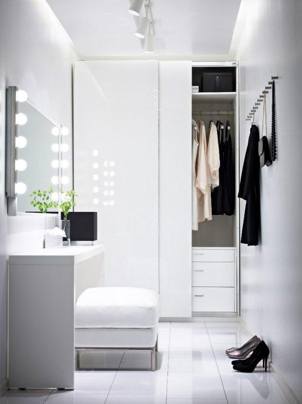 Фотография: Прихожая в стиле Современный, Декор интерьера, Зеркала, декор зеркалами – фото на INMYROOM