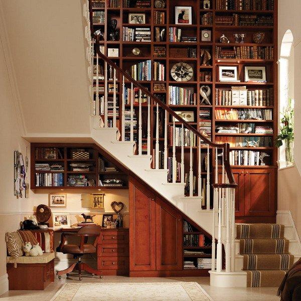 Фотография: Офис в стиле Классический, Современный, Гардеробная, Декор интерьера, Хранение, Декор дома, Лестница, Гардероб – фото на INMYROOM