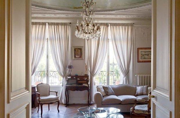 Фотография: Гостиная в стиле Классический, Франция, Интерьер комнат – фото на INMYROOM