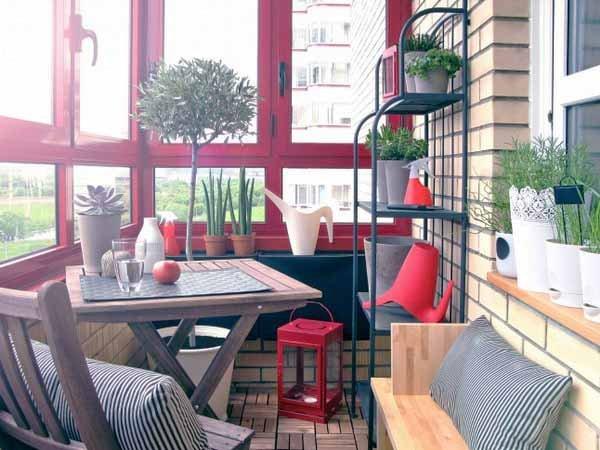 Фотография: Балкон в стиле Прованс и Кантри, Квартира, Советы, Ремонт на практике, как покрасить пластиковое окно, пластиковое окно, пластиковые окна, декор пластикового окна – фото на INMYROOM