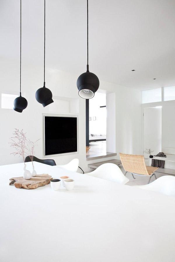 Фотография: Кухня и столовая в стиле Скандинавский, Декор интерьера, Швеция, Декор дома, Цвет в интерьере, Белый – фото на INMYROOM