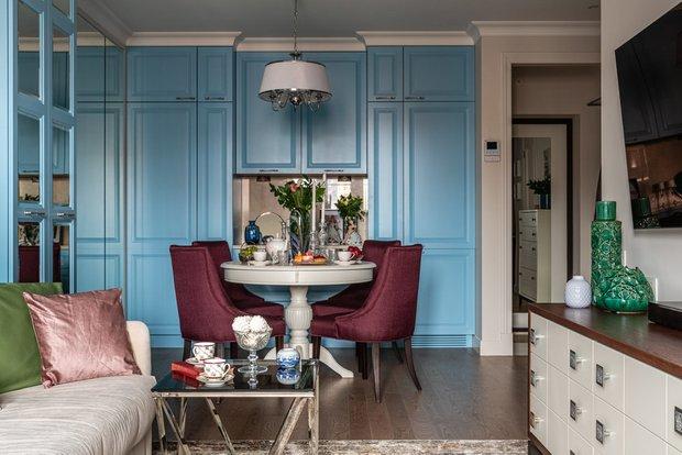 Фотография: Гостиная в стиле Классический, Современный, Кухня и столовая, Декор интерьера – фото на INMYROOM