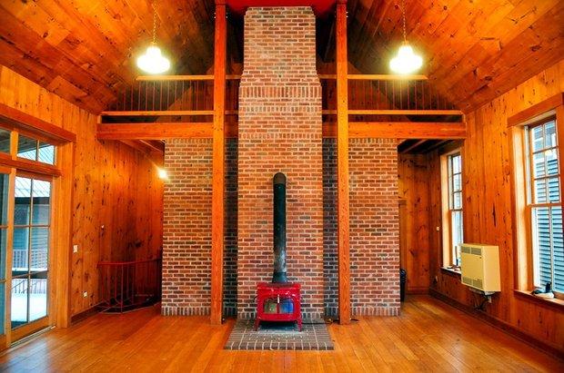 Фотография:  в стиле , Декор интерьера, Дом, Декор дома, Камин – фото на INMYROOM