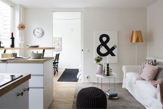 Фотография: Гостиная в стиле Скандинавский, Малогабаритная квартира, Квартира, Планировки, Хранение – фото на INMYROOM